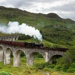 Harry%20potter%20train%20on%20viaduct_56619550